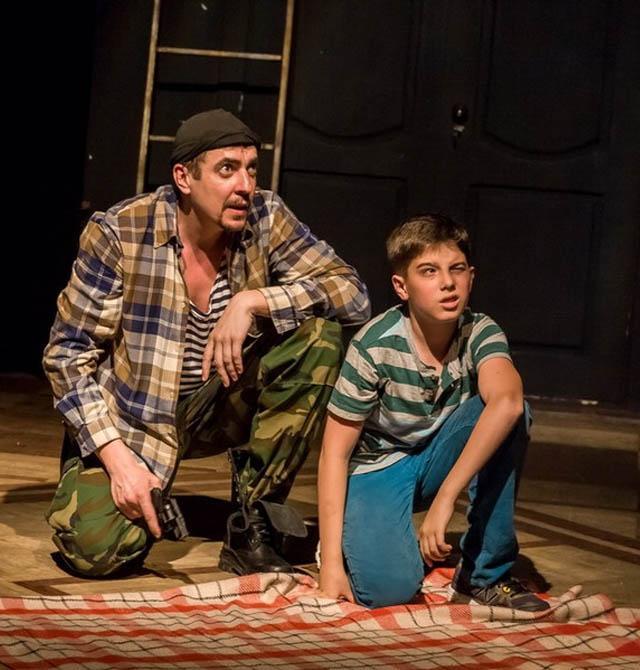 Спектакль «Семейные сцены» - эта острая и злободневная история