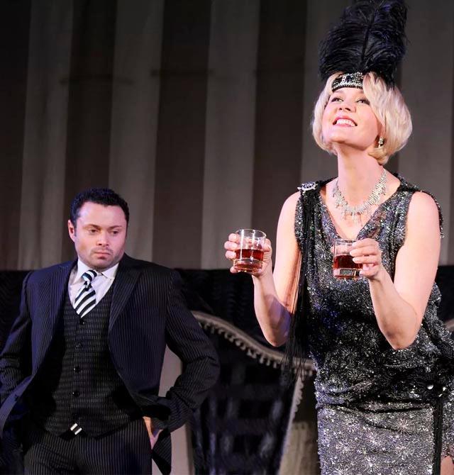 Спектакль «Бестолочь» — классическая комедия положений