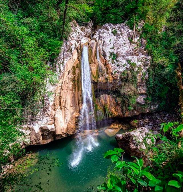 Путешествие в «страну водопадов» Ажек